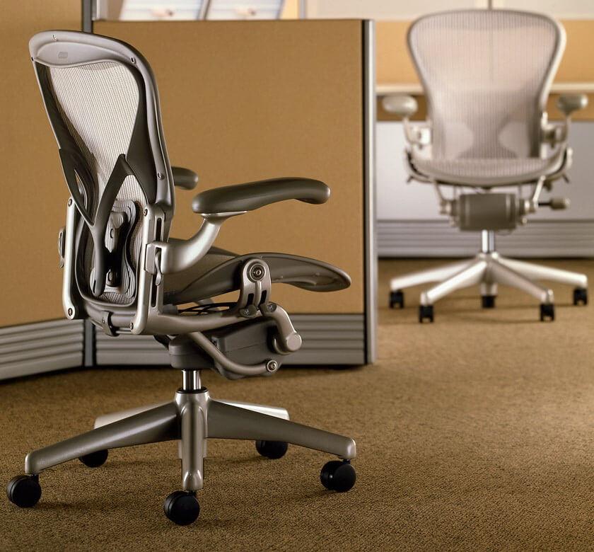 Офисное кресло: виды и особенности
