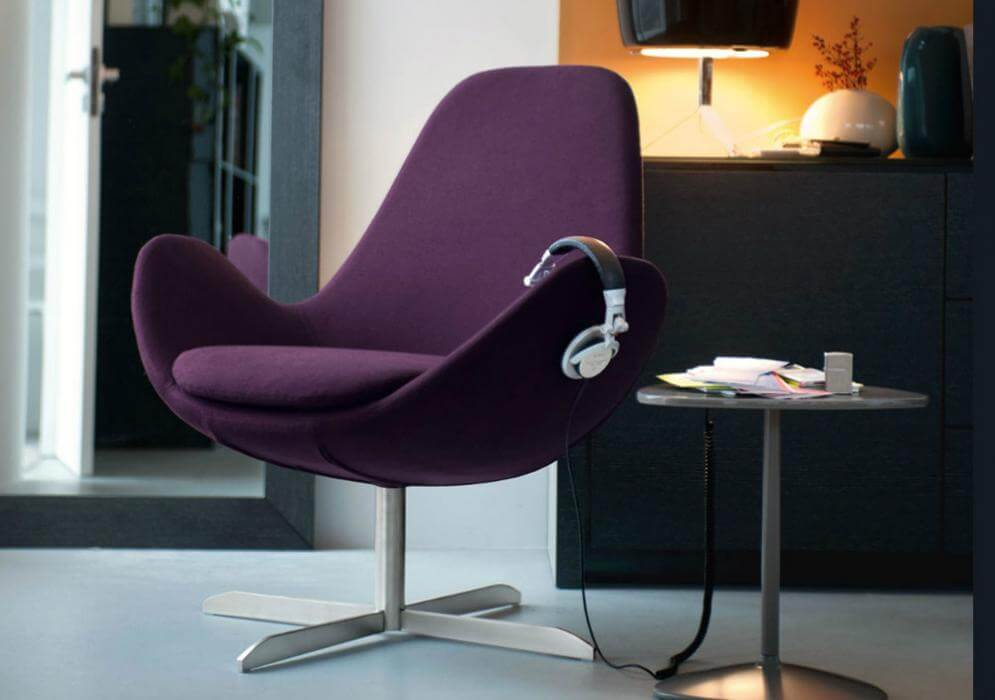 Фото интерьерного кресла с поворотным механизмом