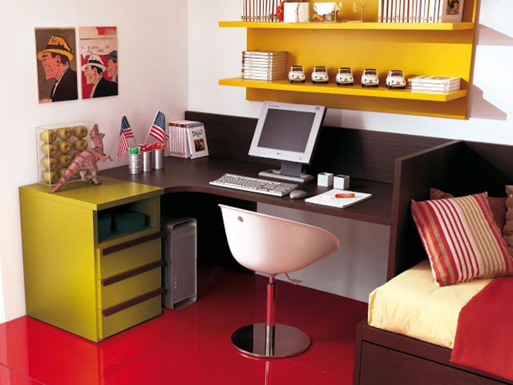 Угловой компьютерный стол в детской совмещенный с кроватью