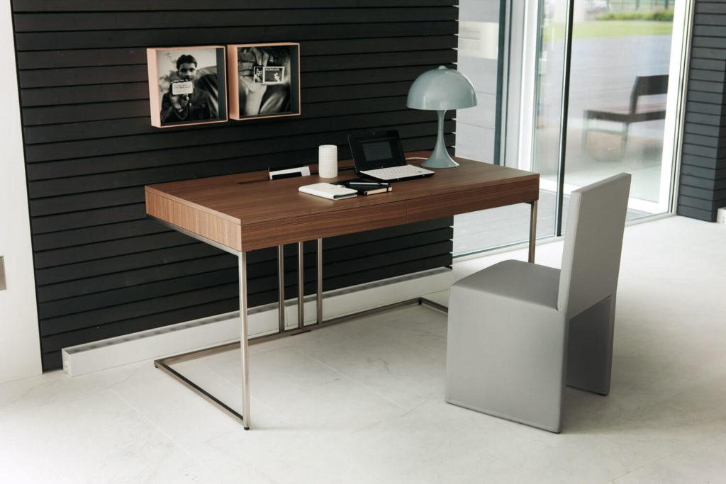 Фото необычного компьютерного стола