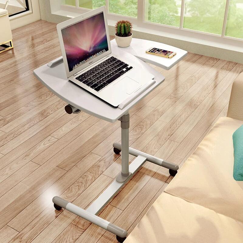 Подкатной компактный столик для ноутбука