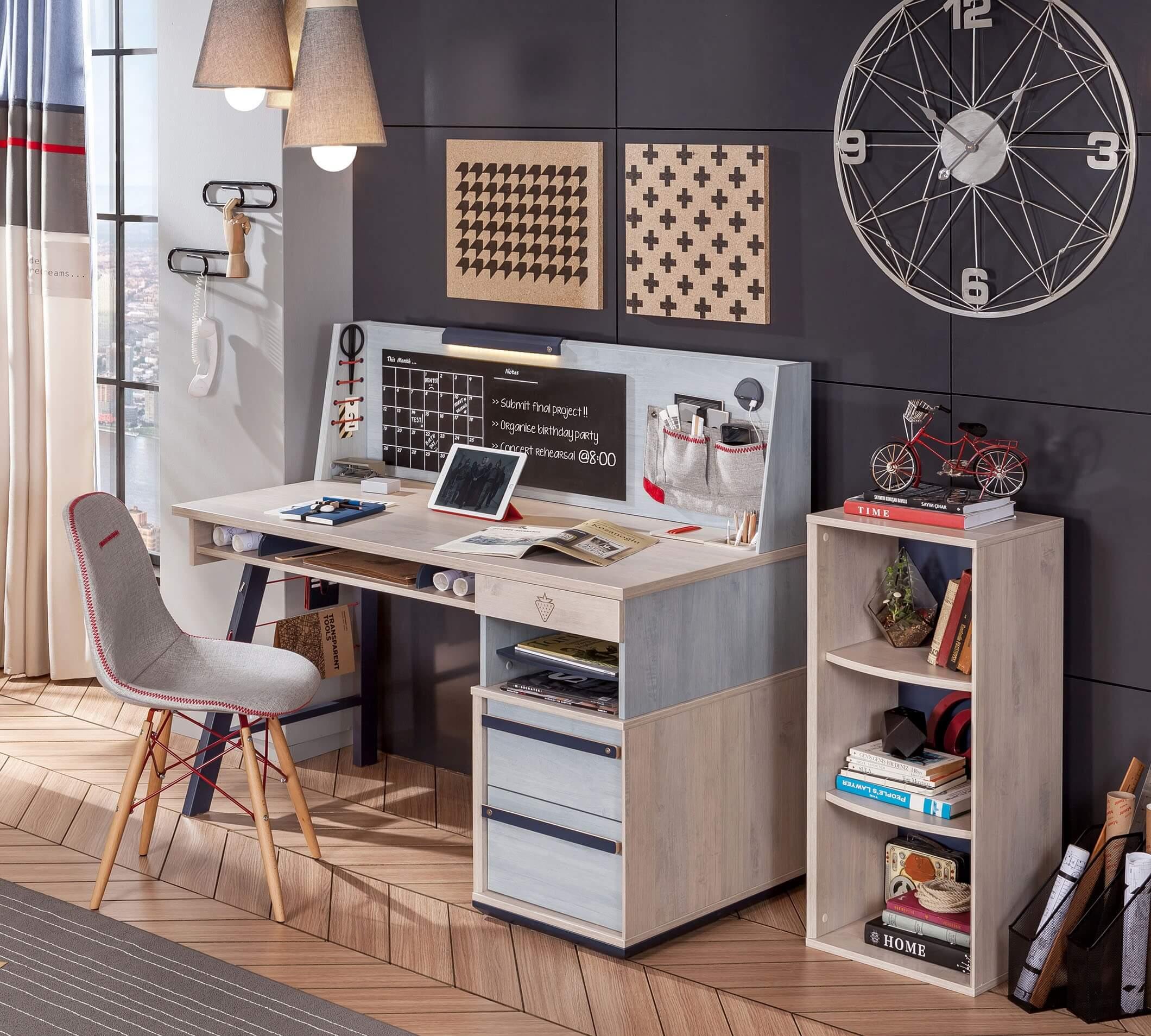 kompyuternyj-stol-v-spalnyu (12)