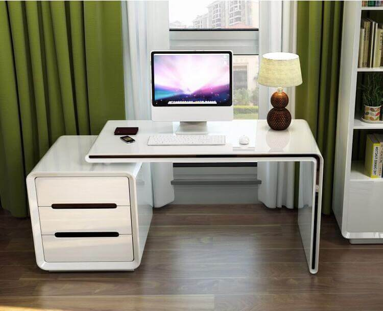 Фото компьютерного стола в спальне