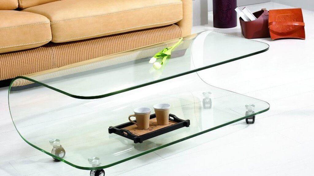 Полностью стеклянный журнальный стол
