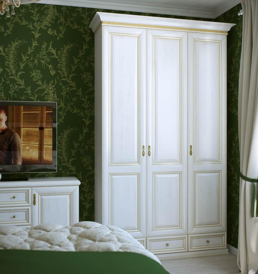распашной белый шкаф в спальне