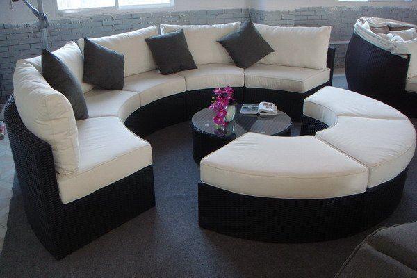 Модульный круглый диван для большой компании
