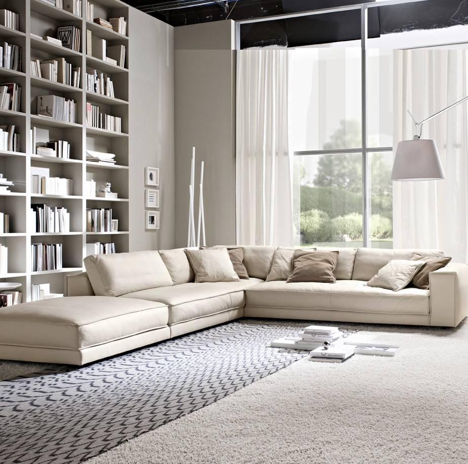 Угловой диван в интерьере гостиной (16)