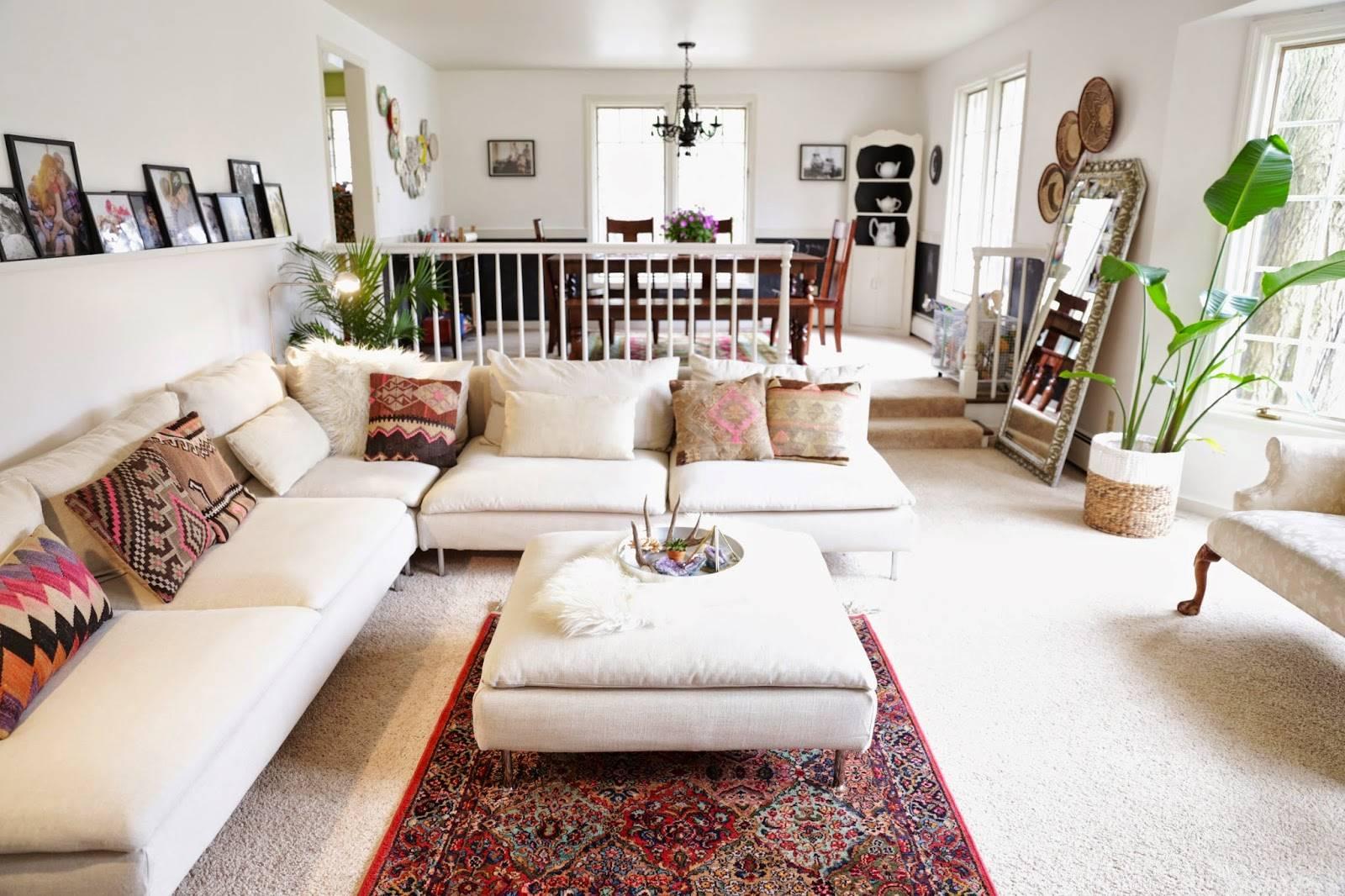 Угловой диван в интерьере гостиной (18)