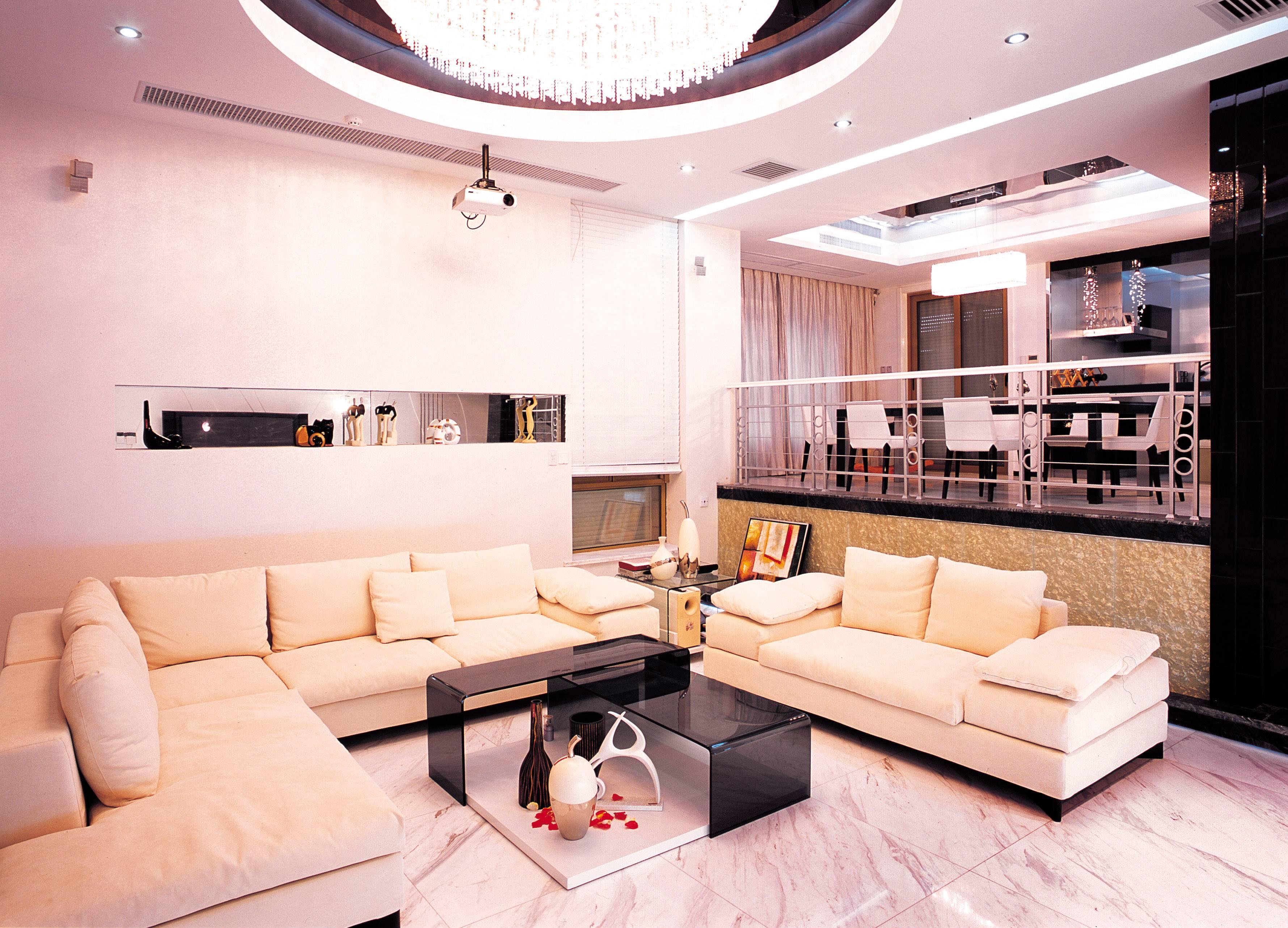 Угловой диван в интерьере гостиной (3)