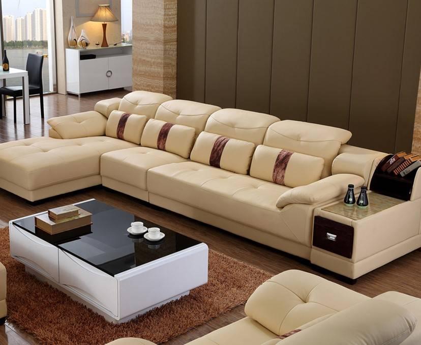 Угловой диван в интерьере гостиной (34)
