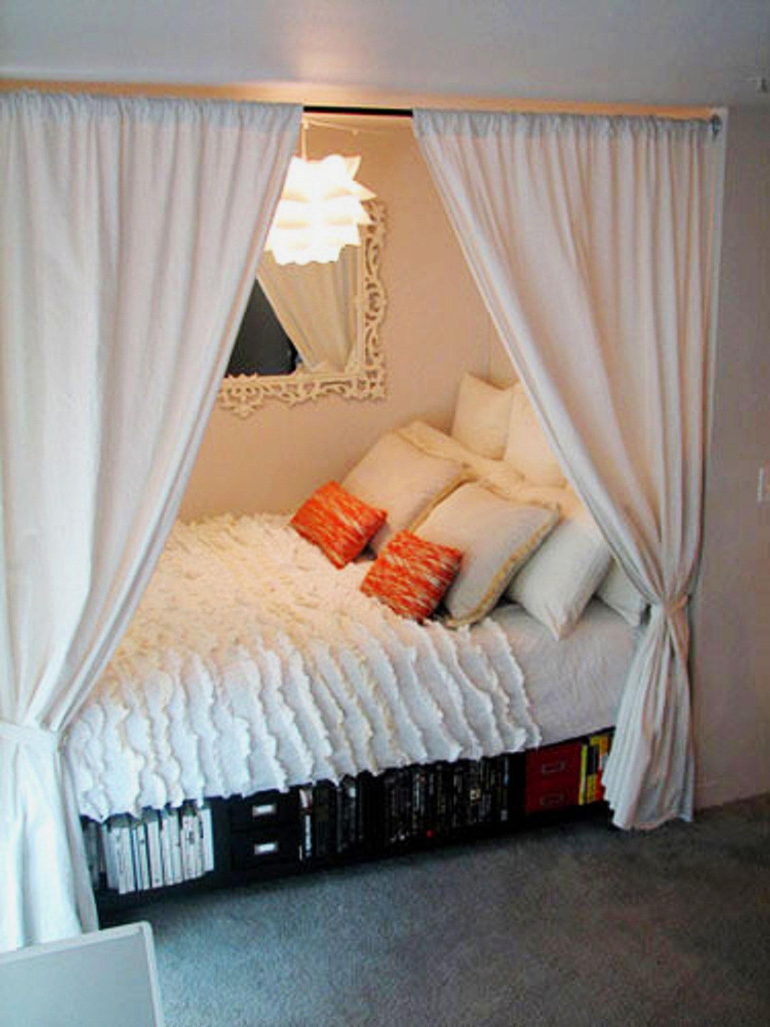Кровать за шторой своими руками